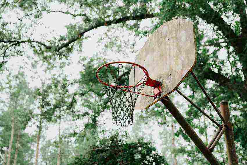 Best Trampoline with Basketball Hoops